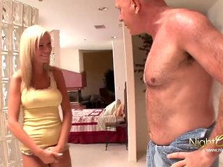 NIGHTCLUB - Stiefvater fickt seine notgeile Tochter