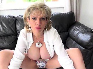 Adulterous british mature lady sonia reveals her big knocker