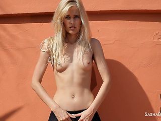 hot babe sasha blonde in outdoor solo