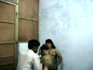Indian Aunty Fuck with her husband on cam part 1