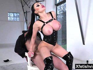 Brunette pornstar domination and cumshot