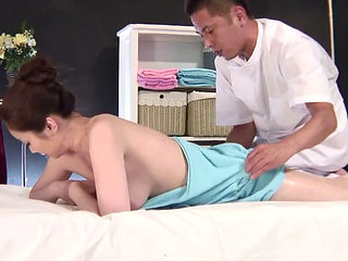 The Massage Parlor Where Housewives Visit Secretly Behind Their Husbands 1