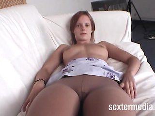 Angie Luder - Nylon Girl in Deutschland