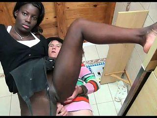 Schwarz Maid gefickt von ihrem Chef