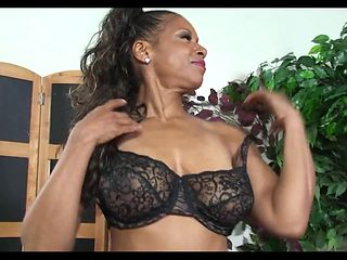 Awesome Mature Ebony