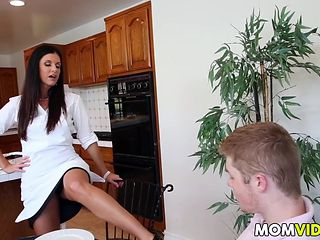 Stepmom India Summer seducing stepdaughter Kacy Lane