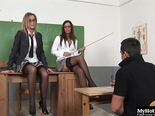 Two stunning sex bombs like sharing a massive meat pole