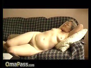 OmaPasS Homemade Grandma Sex Toys Expeience Video