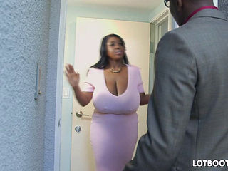 Unreal Ebony Natural Huge Tits And Booty Of Maserati Xxx