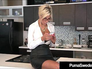 Office Sluts Puma Swede & Bobbi Eden Eat Sweet CoWorker Cunt
