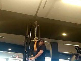 Gym brunetre with a big ass pt2