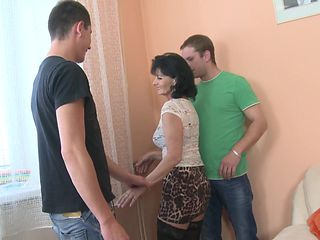 Rayna has an opportunity to engage in the hot threesome shagging