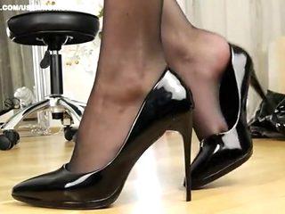 Black nylons dangling expert