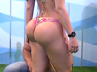 Gorgeous Latin Bubble Butt On Tv