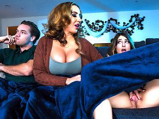 Kristen Scott & Richelle Ryan & Kyle Mason in Mind If Stepmom Joins You - BrazzersNetwork
