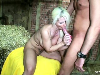 GERMAN MOTHER seduce to Fuck by Younger Guy who help for Sex