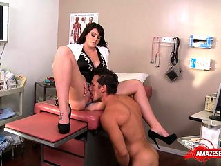 Brunette doctor hardcore and cumshot