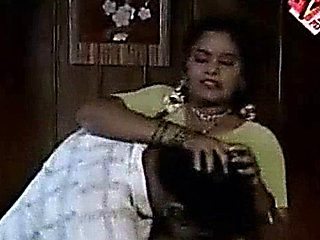 Mazee Serial Hot Tamil Aunty Seduced By Servant