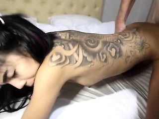 Thai girl gives an blowjob stimulation to her loving guy