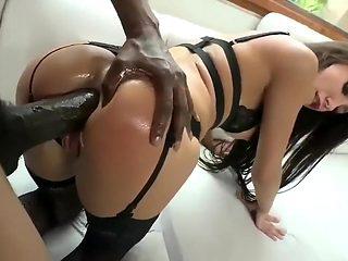 She enjoy it in the ass