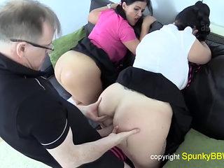 Big Booty Schoolgirl Babe's