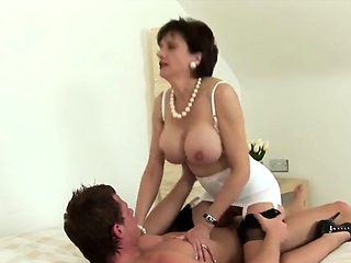 Adulterous british milf lady sonia presents her big boobs41N