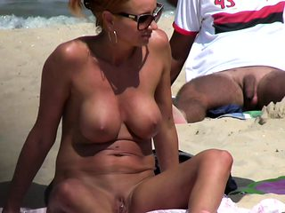 Horny Blonde MILF Amateur Close-Up PUSSY Beach Voyeur Video