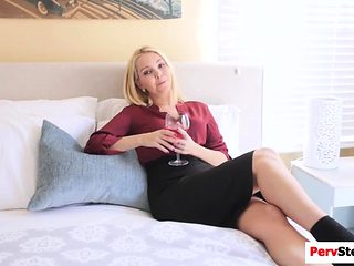 Stepson fucking her gorgeous stepmom