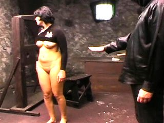 Wicked doxy gets punished in humiliation mode