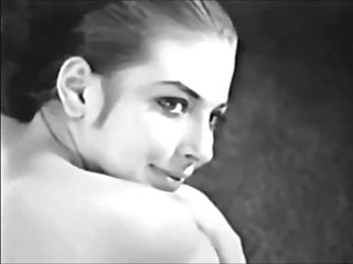 Vintage girl shows pussy ( 1950 )