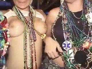 Party Girls Flash At Mardi Gras