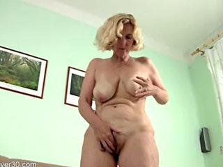 Mature Blonde Hillary Masturbates