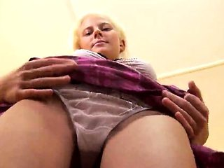 Fervid chick is gaping slim slit in closeup and coming