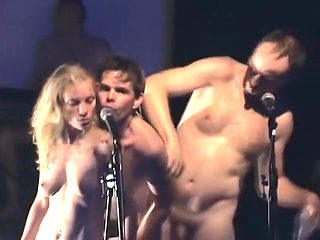 Naked on Stage 92 Les Innocents
