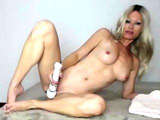 Amazing blonde german webcam milf high heel masturbation