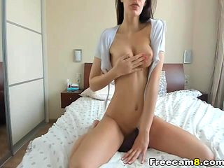 Sizzling hot horny babe squirting live on cam