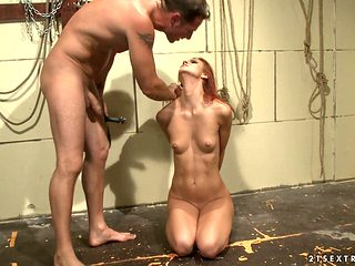 Redhead loves getting her lovely face jizzed on