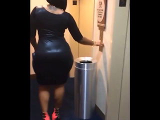 Cherokee D' Ass (big Booty Walking) 1080p
