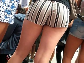 college girl in shorts 66