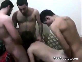 turk gencler orospuyla grup seks turkish group fun