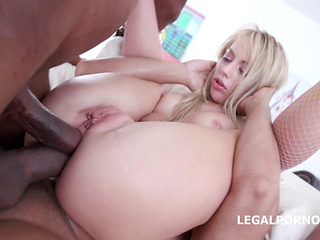 Kira Thorn Vs 7 Black Cocks