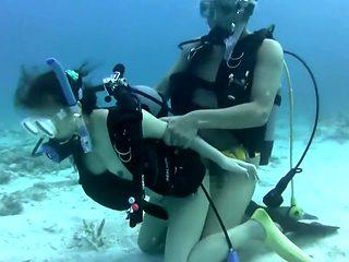 Japanese scuba girl sex full 2
