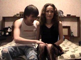Сын снимает сек с матерью