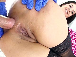Samia Duarte wants fat dick up to her big ass