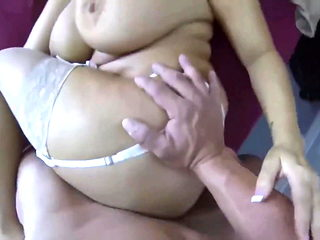 Stepmom creampied while at bed
