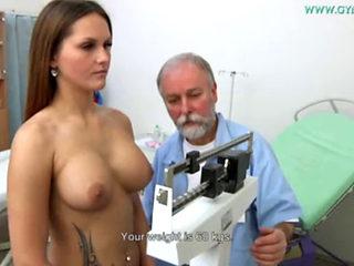 Barbara Bieber Getting Masturbated By Her Gyno Doctor