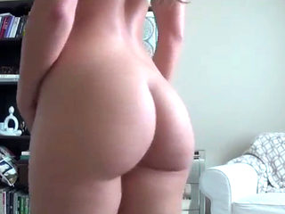 Beautiful Amateur Teen Showing Off Her Perfect Ass