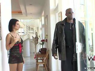 Stunning Anal Cuckold housewife