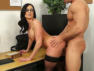 Kendra Lust is probably the best sex teacher in the whole wide world. Today she is practicing wit...