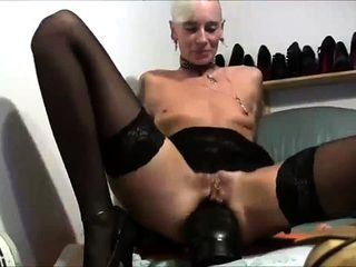 World Record Giant Dildo In Milfs Ass